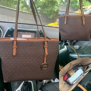 Michael Kors medium sized tote. MK TOTE
